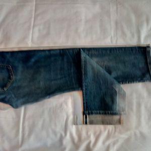 Uniqlo Jeans - Uniqlo straight slim cropped distressed jeans